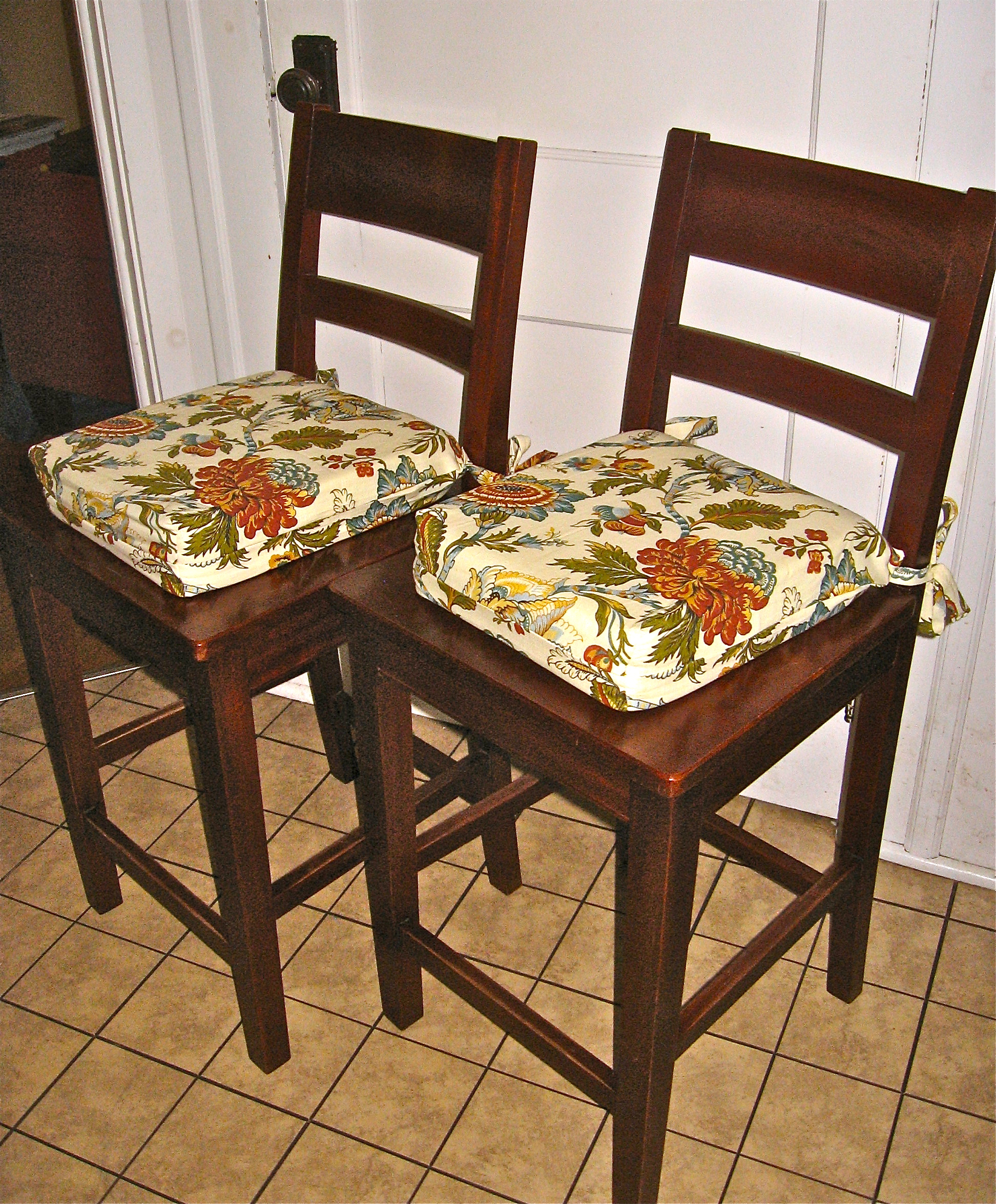 Kitchen Chairs Tie On Cushions For Kitchen Chairs